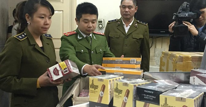 Bóc dỡ đường dây buôn bán xì gà nhập lậu số lượng lớn