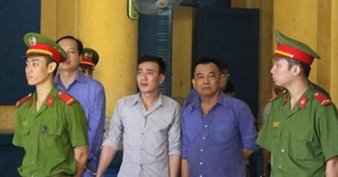 Chuyện thật Việt Nam: Nhiều con voi chui lọt lỗ kim