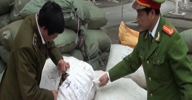 Bắt hơn 10 tấn nguyên liệu thuốc bắc nhập lậu về Hà Nội