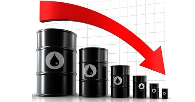 Ai là kẻ thiệt khi giá dầu xuống đáy?