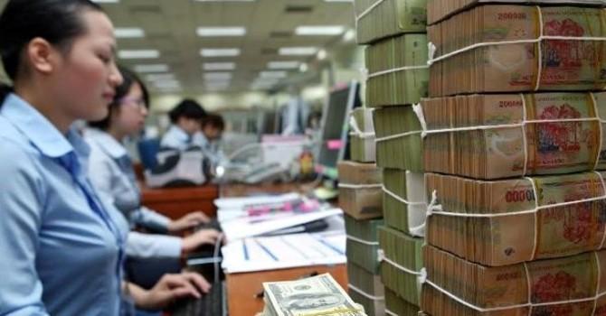 Việt Nam khó giảm lãi suất bằng thế giới
