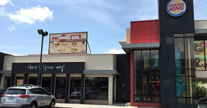 Chuyện gì đang xảy ra với chuỗi Burger King của mẹ chồng Hà Tăng ở Việt Nam?