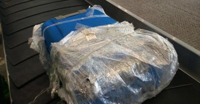 Hành lý của khách bị rạch ở sân bay: Lãnh đạo Bộ Giao thông vận tải nói gì?