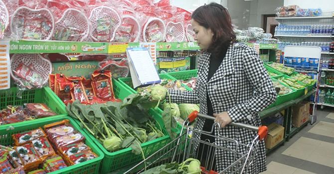 Mùng 3 Tết, nhiều siêu thị mở cửa trở lại