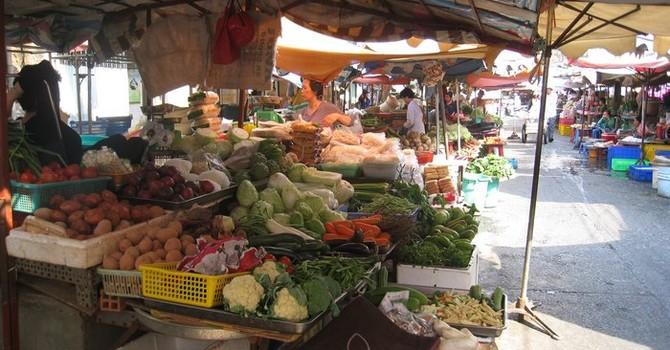TP. HCM: Nhiều mặt hàng thực phẩm tăng giá sau Tết