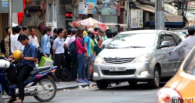 22 xe đón khách bị phạt sau chỉ đạo của ông Đinh La Thăng