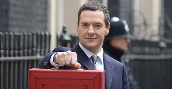 Anh cắt giảm chi tiêu công để hạn chế thâm hụt ngân sách