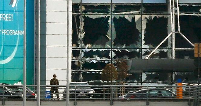 Vụ tấn công Brussels là trả thù cho nghi phạm khủng bố Paris vừa bị bắt?