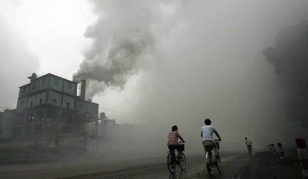 """Trung Quốc đang """"xuất khẩu"""" ô nhiễm môi trường ra toàn cầu"""