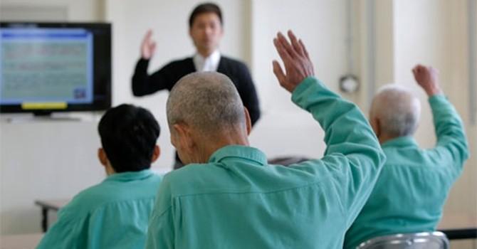 Vì sao người già Nhật phạm tội ngày càng nhiều?