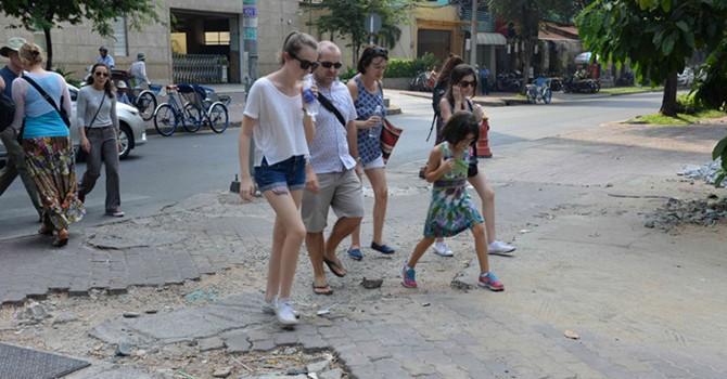 1.000 tỷ lát đá vỉa hè trung tâm Sài Gòn lấy từ đâu?