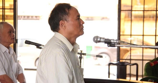 Phó chủ tịch phường chiếm đoạt tiền lương hưu của cán bộ