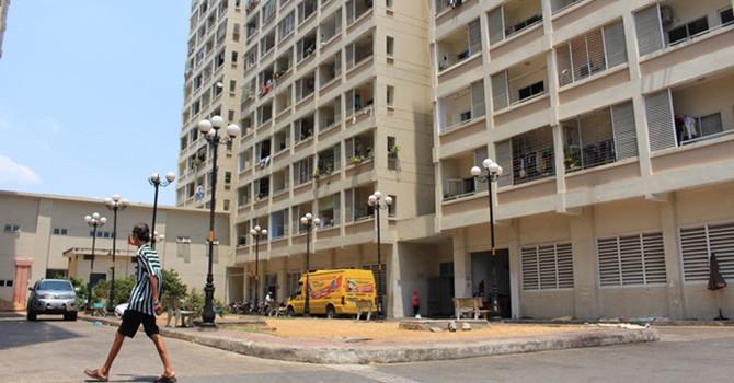 Khóc ròng với chung cư tái định cư Sài Gòn: Liên tục hư hỏng
