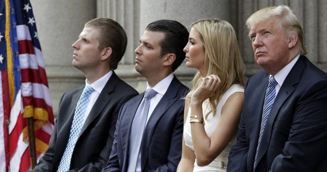 Donald Trump mất phiếu ủng hộ của hai con