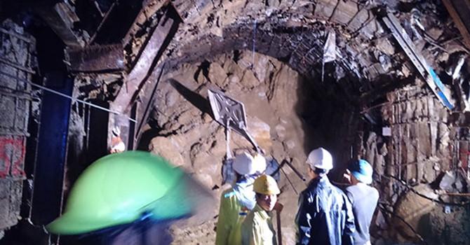 Vụ sập hầm tại Quảng Nam: 5 người nghi bị mắc kẹt