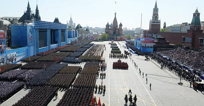 """[Video] Quân đội Nga diễn tập diễu binh, """"khoe"""" vũ khí nhân Ngày Chiến thắng"""