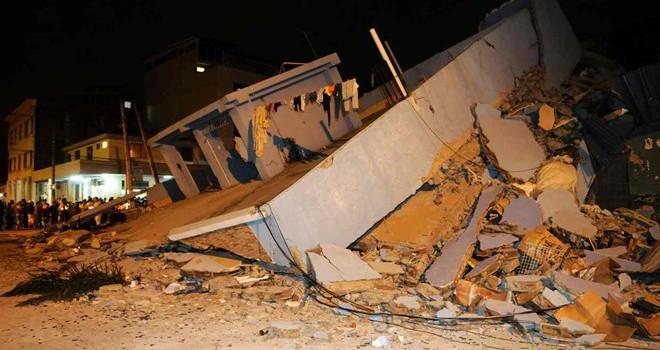 Động đất 7,8 độ Richter ở Ecuador: 77 người thiệt mạng, 578 người bị thương