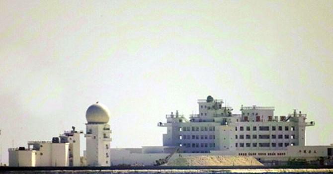 """""""Thành phố nổi"""" trái phép của Trung Quốc trên bãi Gạc Ma"""