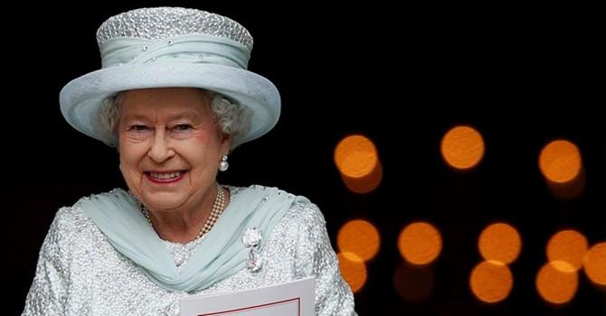 Hoàng gia Anh tuyển quản lý trang mạng xã hội lương 1,6 tỷ đồng