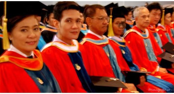 Đào tạo tiến sĩ ở các nước khó hơn Việt Nam thế nào?
