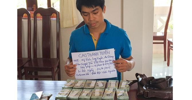 Thắng bạc ở nước ngoài, mang tiền về được không?