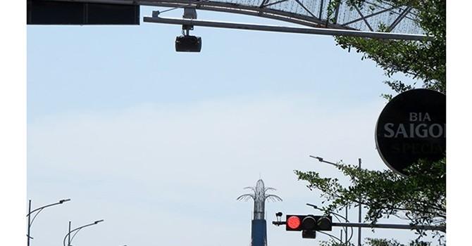 Xe ô tô của Chủ tịch UBND TP. Đà Nẵng cũng vi phạm luật giao thông!