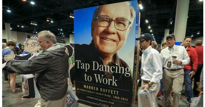 Warren Buffett vừa rót 1 tỷ USD vào Apple