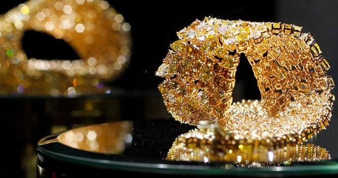 """Vì sao giá vàng """"nhẩy"""" lên 1.400 USD/ounce?"""