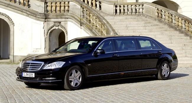 Không có xe riêng như Obama, nguyên thủ thế giới đến Việt Nam đi xe nào?