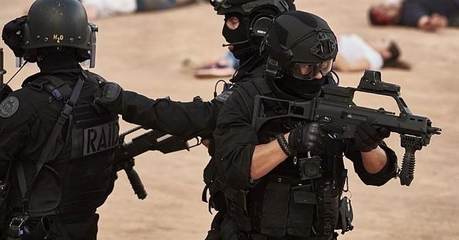 Báo động Euro 2016: 82 kẻ khủng bố giả làm nhân viên an ninh
