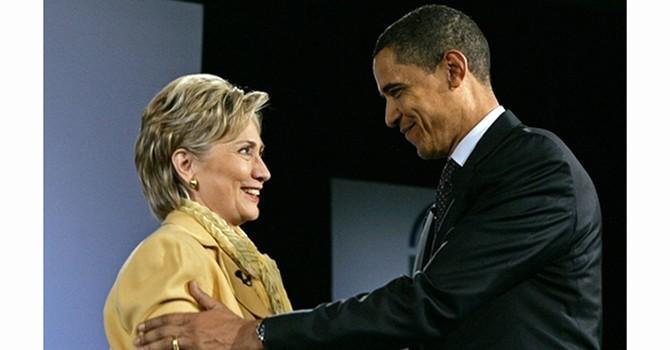 Barack Obama và Hillary Clinton: Từ kình địch đến bạn thân