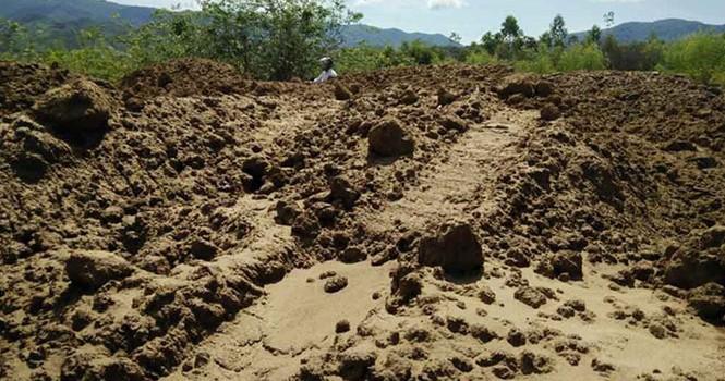 """Hơn 200 m khối đất sét tang vật """"bốc hơi"""" trong một đêm"""