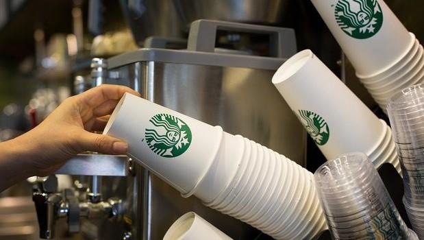 Starbucks lại bị kiện vì ăn gian lượng đồ uống