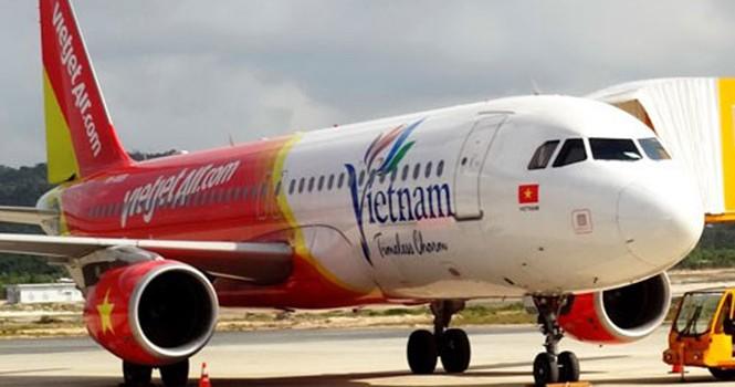 Máy bay Vietjet Air lại trễ 9 tiếng, hành khách kêu trời