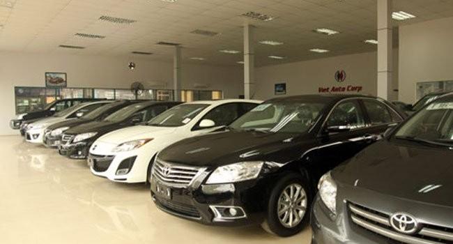 """""""Cuộc chiến"""" quanh thông tư đóng cửa thị trường ôtô nhập"""