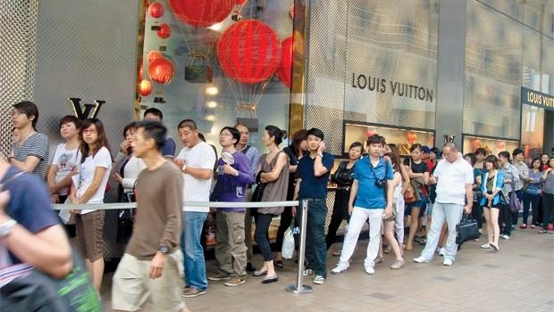 Thị trường hàng hiệu trên thế giới bước vào cung trầm