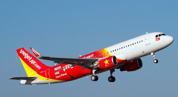Hành khách Vietjet có số vé nhưng lên máy bay vẫn phải xin... ngồi nhờ vì không có chỗ