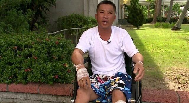 Thuyền viên người Việt kể giây phút tàu cá Đài Loan trúng tên lửa