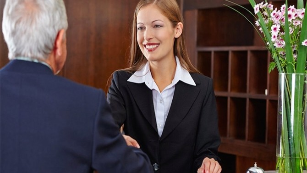 Ứng xử trong khách sạn: Những chuyện nhỏ nhặt không tầm thường