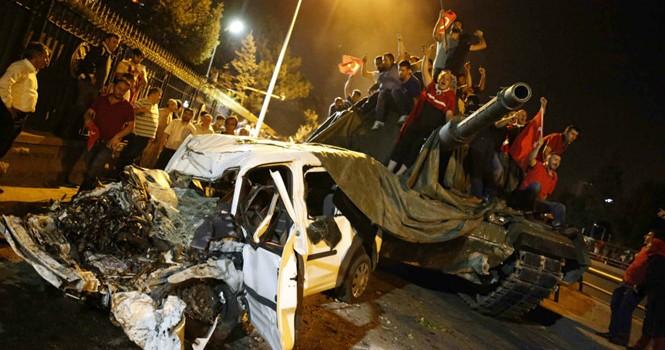 Phản ứng của Mỹ và NATO trước vụ đảo chính ở Thổ Nhĩ Kỳ