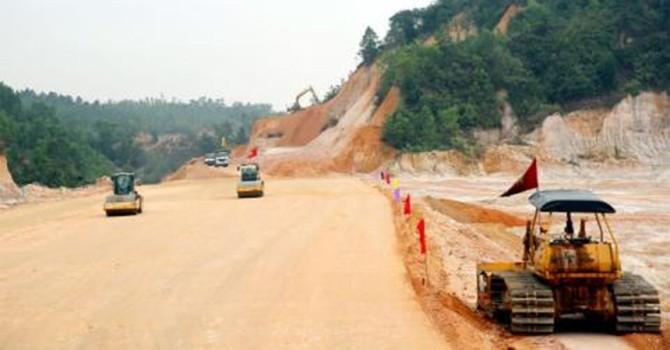 Các dự án vay Trung Quốc thường đội vốn, kéo dài, sao vẫn vay?