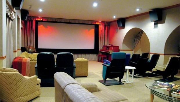Rạp chiếu phim ở Mỹ bị... lấy bớt khách