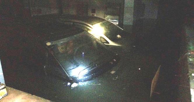 Nhiều hầm xe máy, ô tô ở Sài Gòn chìm trong biển nước sau mưa to