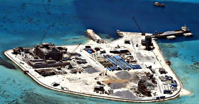 Philippines điều tra vụ Trung Quốc lấy cát của mình để xây đảo ở Biển Đông