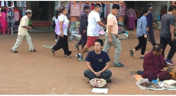 Du khách người Việt đã thử đóng vai ăn xin ở Nepal