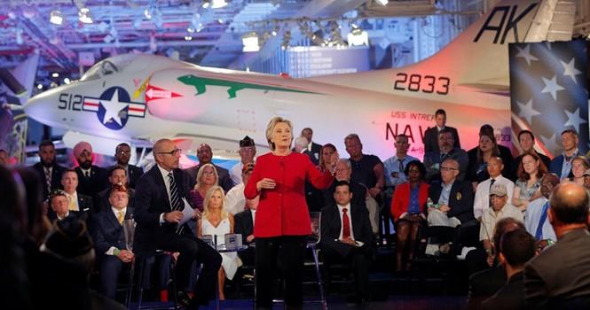 """Bầu cử Mỹ: Không lo Donald Trump thắng, chỉ sợ Hillary Clinton """"tự thua"""""""