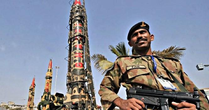 Pakistan sở hữu kho vũ khí hạt nhân lớn hơn Triều Tiên, Israel