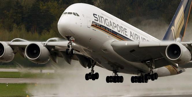 """Máy bay chở khách lớn nhất thế giới """"thất sủng"""""""
