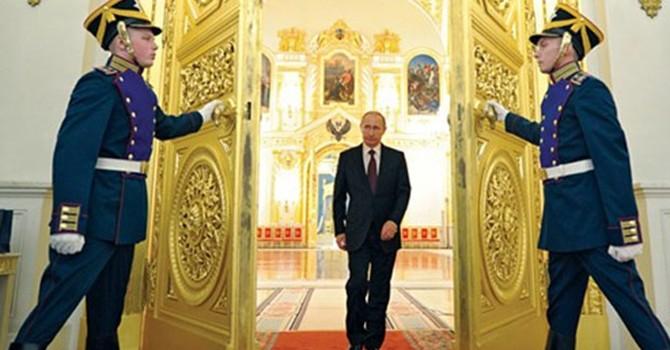 """Chiến lược """"dọn đường"""" của ông Putin"""
