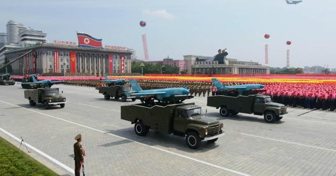 Hàn Quốc đầu tư vũ khí laser đối phó UAV Triều Tiên